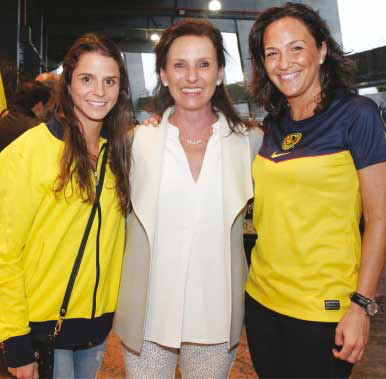 Claudia y Mariana de Haro con Mariana Baños.