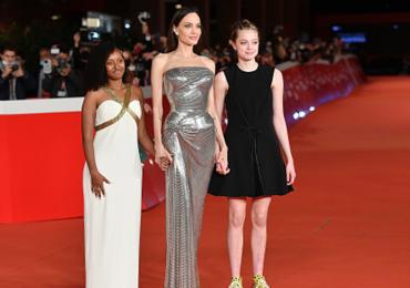 angelina y sus hijas